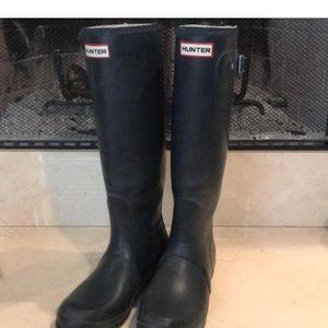 Hunter original tall rain boot in matte navy